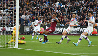 West Ham United's Sebastien Haller is foiled by Crystal Palace's Vicente Guaita<br /> <br /> Photographer Rob Newell/CameraSport<br /> <br /> The Premier League - West Ham United v Crystal Palace - Saturday 5th October 2019 - London Stadium - London<br /> <br /> World Copyright © 2019 CameraSport. All rights reserved. 43 Linden Ave. Countesthorpe. Leicester. England. LE8 5PG - Tel: +44 (0) 116 277 4147 - admin@camerasport.com - www.camerasport.com