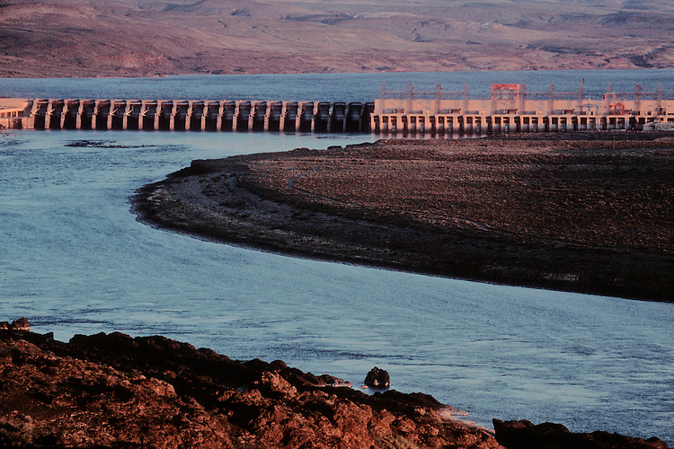 Priest Rapids Dam; Grant County; Hanford Reach; Columbia River; Washington State; Columbia Basin, Pacific Northwest, USA