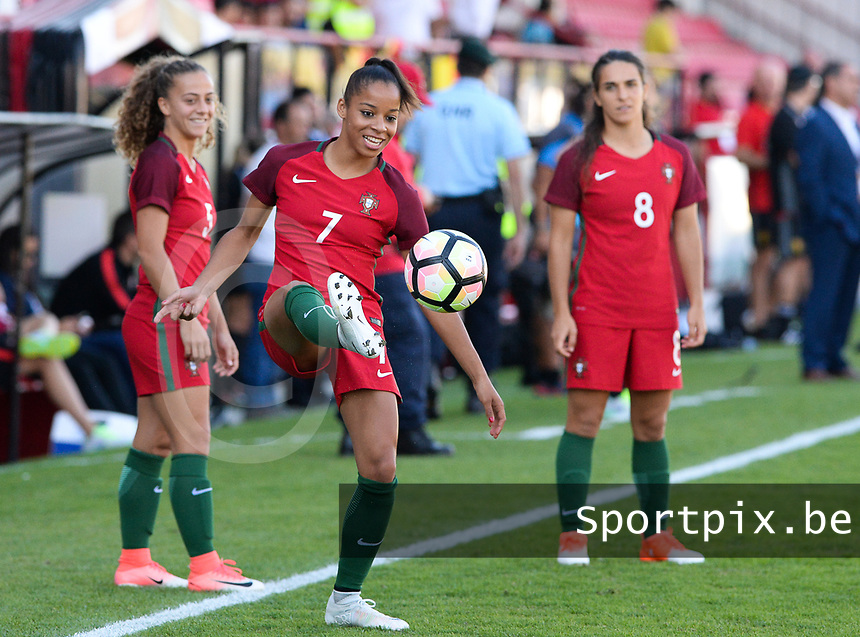 20171024 - PENAFIEL , PORTUGAL : Portugese Jessica Silva (7)  pictured during warming up of a women's soccer game between Portugal and the Belgian Red Flames , on tuesday 24 October 2017 at Estádio Municipal 25 de Abril in Penafiel. This is the third game for the  Red Flames during the Worldcup 2019 France qualification in group 6. PHOTO SPORTPIX.BE | DAVID CATRY