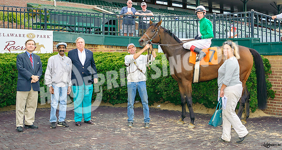 Happy Landing winning at Delaware Park on 9/26/16