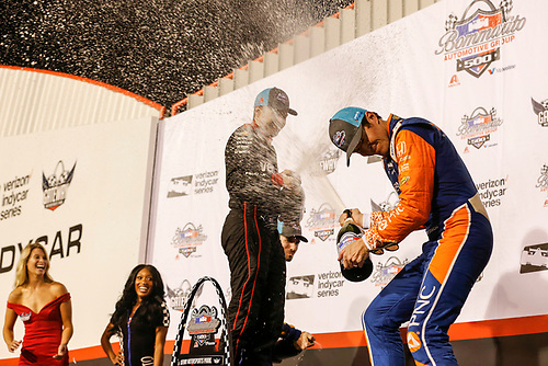 Will Power, Team Penske Chevrolet, Scott Dixon, Chip Ganassi Racing Honda, celebrate with champagne