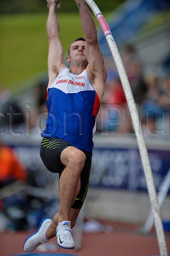 26.06.2016. Alexander Stadium, Birmingham, England. British Athletics Championships. Luke Cults on his way to winning the Pole Vault.