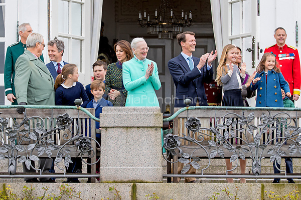 Queen Margrethe, Prince Henrik, Crown Prince Frederik, Crown Princess Mary, Prince Christian, Princess Isabella, Prince Vincent, Princess Josephine, Prince Joachim, Princess Marie, Prince Henrik and Princess Athena of Denmark attend the 77th birthday celebrations of Queen Margrethe at Marselisborg palace in Aarhus, Denmark, 16 April 2017. Photo: Patrick van Katwijk Foto: Patrick van Katwijk/Dutch Photo Press/dpa /MediaPunch ***FOR USA ONLY***