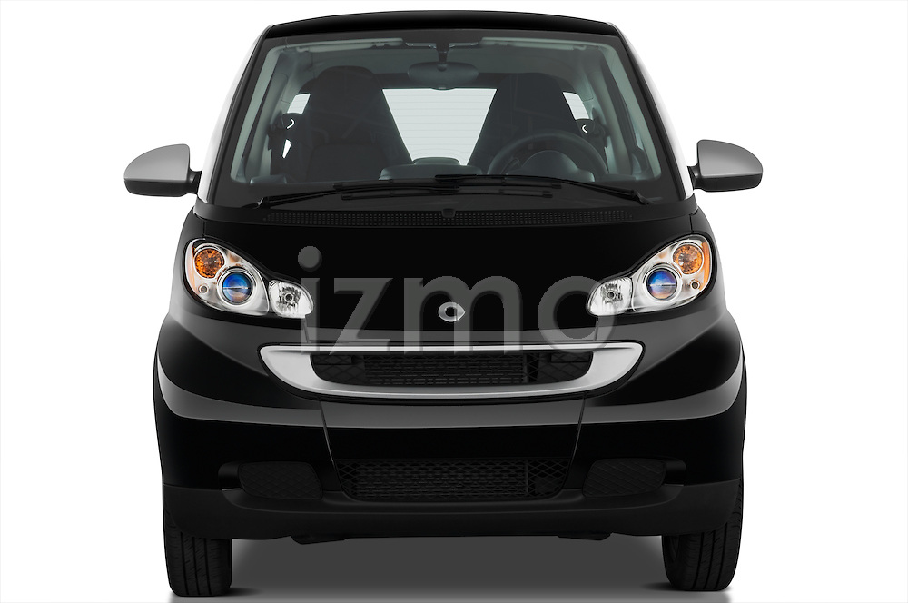Straight front view of a 2008 Smartfortwo