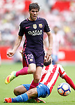 Sporting de Gijon's Alberto Lora (r) and FC Barcelona's Sergi Roberto during La Liga match. September 24,2016. (ALTERPHOTOS/Acero)