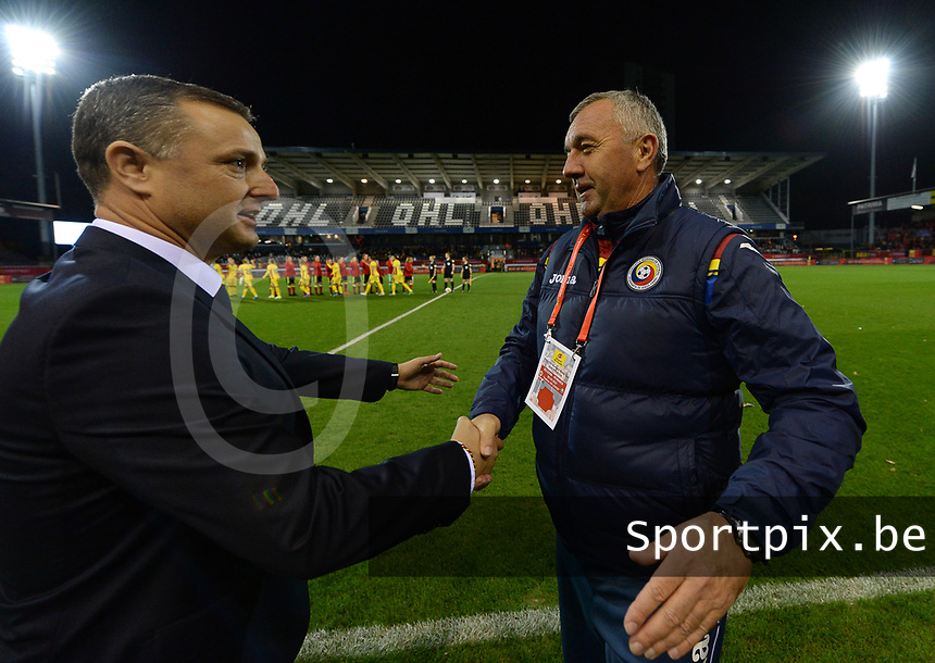 20171020 - LEUVEN , BELGIUM : Belgian head coach Ives Serneels (left) pictured with Romanian head coach Mirel Albon during the female soccer game between the Belgian Red Flames and Romania , the second game in the qualificaton for the World Championship qualification round in group 6 for France 2019, Friday 20 th October 2017 at OHL Stadion Den Dreef in Leuven , Belgium. PHOTO SPORTPIX.BE | DAVID CATRY