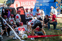 DS Yaroslav Popovych of Team Trek-Segafredo having the pre-stage team meeting 'in the open' ahead of stage 11<br /> <br /> Team Trek-Segafredo has had trouble with the (non working) AC-system on their teambus throughout this Vuelta. Today they were without their bus at the start, which meant the riders (& team) needed to go 'old-school': preparing outside in the open ahead of the stage start.<br /> <br /> Stage 11: Saint-Palais to Urdax-Dantxarinea (180km in The Basque Country > FRA & ESP) <br /> La Vuelta 2019<br /> <br /> ©kramon