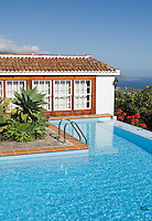 Spain, Canary Islands, La Palma, near Villa de Mazo: cottage, pool