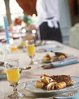 Europe/France/Normandie/Basse-Normandie/14/Calvados/Deauville: Pintade au cidre en cocotte aux deux pommes -