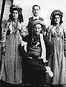Iraq 1930?.Suleimania: Family Shemsini.Seating, Sheikh Rashid, standing, from right to left,Fatma Han, Sheikh Mohamed and Kafia  Han  .Irak 1930? .Souleimania: la famille Shemsini