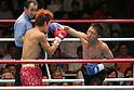 (L-R) Noriyuki Komatsu, Daisuke Naito (JPN),.JUNE 27, 2006 - Boxing : Daisuke Naito of Japan in action against Noriyuki Komatsu of Japan during the OPBF and Japanese flyweight titles bout at Korakuen Hall in Tokyo, Japan. (Photo by Hiroaki Yamaguchi/AFLO)