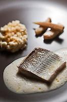 Europe/France/Rhone-Alpes/73/Savoie/Courchevel/ Le Praz.:  Lavaret ,céleri  et gratin de crozets recette de François Moureaux Restaurant: Azimut, immeuble l'Or Blanc,