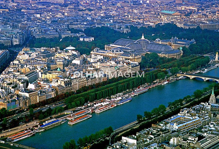Cidade de Paris e Rio Sena. França. 1999. Foto de Salomon Cytrynowicz.