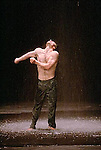NEFES<br /> Choregraphie : BAUSCH Pina<br /> Th&eacute;&acirc;tre de la Ville<br /> Paris<br /> 04/06/2004<br /> &copy; Laurent Paillier / photosdedanse.com<br /> All rights reserved