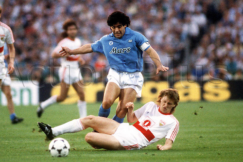 17.05.1989  Diego Armando Maradona playing for Napoli in the UEFA-Cup against VfB Stuttgart of West Germany. Napoli won 5-4 at the San Paolo stadium in Naples.