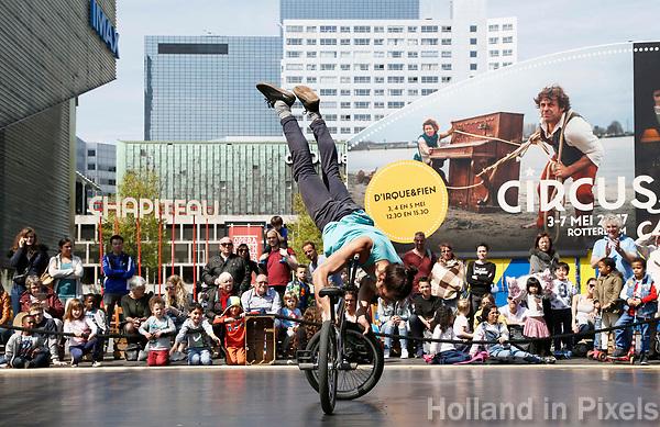 Nederland Rotterdam 2017. Rotterdam Circusstad Festival. BMX.  Foto Berlinda van Dam / Hollandse Hoogte