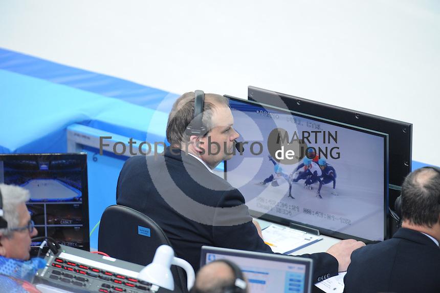OLYMPICS: SOCHI: Iceberg Skating Palace, 18-02-2014, Shorttrack, scheidsrechter Gialt Biesma, ©photo Martin de Jong