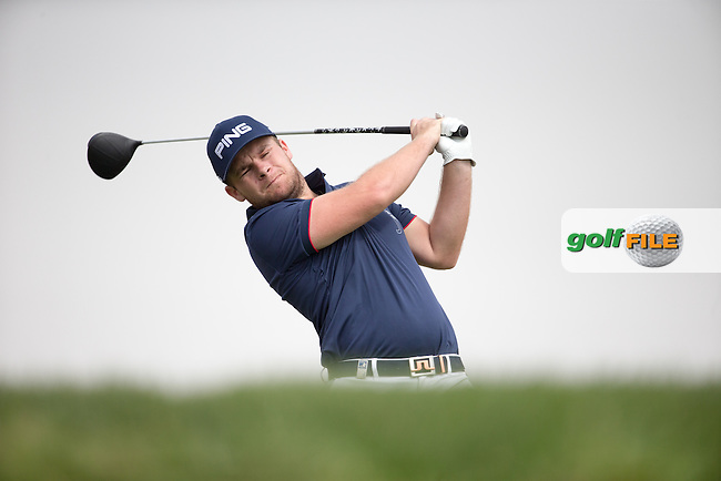 Tyrrell Hatton (ENG) on the 3rd tee during the final round of the Abu Dhabi HSBC Championship, Abu Dhabi Golf Club, Abu Dhabi,  United Arab Emirates. 22/01/2017<br /> Picture: Golffile   Fran Caffrey<br /> <br /> <br /> All photo usage must carry mandatory copyright credit (&copy; Golffile   Fran Caffrey)