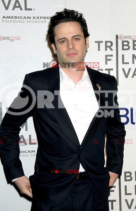 April 22, 2012 Luke Kirby, asiste al estreno de Take This Waltz en el Festival de Cine de Tribeca en el 2012 BMCC/TPACAMC en Nueva York.<br /> Foto:&copy;*RW/*Mediapunch/NortePhoto.com*)<br /> **SOLO*VENTA*EN*MEXICO*