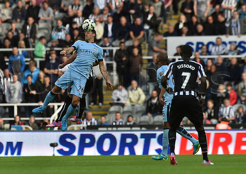 17.08.2014.  Newcastle upon Tyne, England. Premier League. Newcastle United versus Manchester City. Manchester city defender Martin Demichelis heads the ball