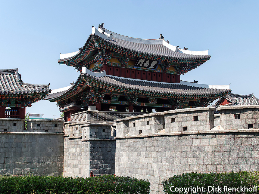 S&uuml;dtor Pungnammun in Jeonju, Provinz Jeollabuk-do, S&uuml;dkorea, Asien<br /> South gate Pungnammun in Jeonju, province Jeollabuk-do, South Korea, Asia, UNESCO world-heritage