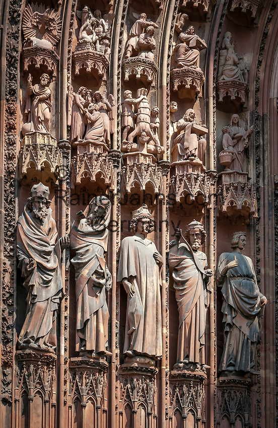 France, Alsace, Department Bas-Rhin, Strasbourg: Strasbourg Cathedral - statues from the Main Portal of the West facade | Frankreich, Elsass, Départements Bas-Rhin, Strassburg: Strassbuerger Muenster - Hochgotische Gewaendefiguren am Hauptportal der Westfassade