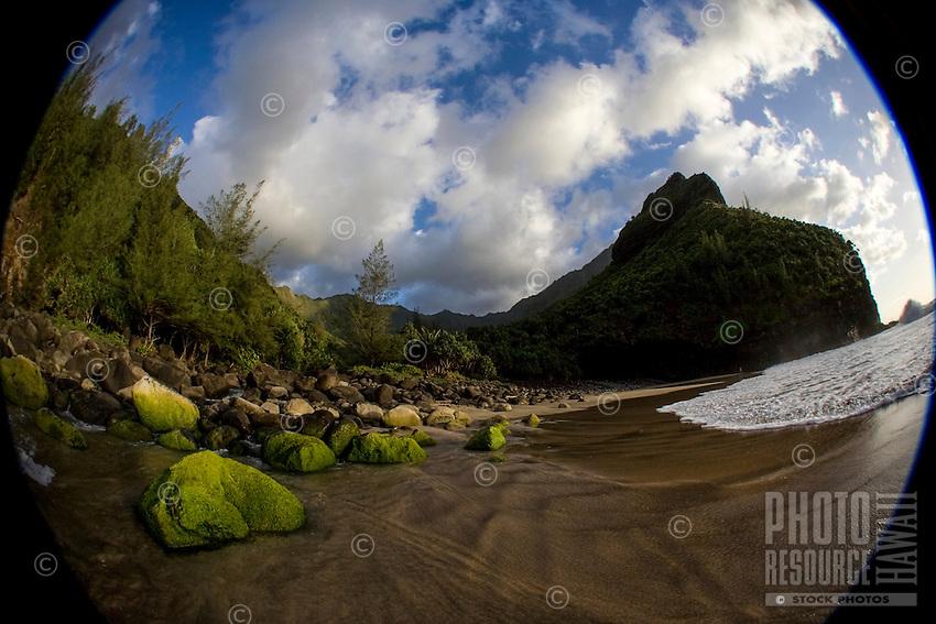 Hanakapi'ai Beach, Na Pali Coast, Kaua'i.