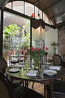 Asie/Israel/Tel-Aviv-Jaffa/vieux Jaffa: intérieur d'un restaurant de la vieille ville