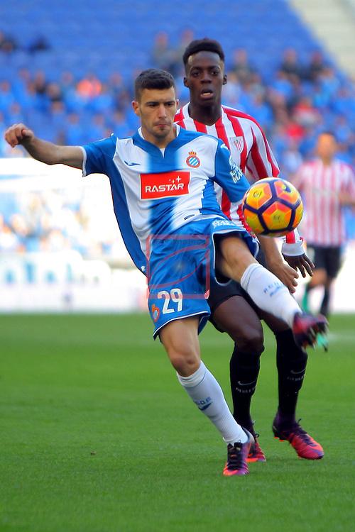 League Santander 2016/2017. Game: 11.<br /> RCD Espanyol vs Athletic Club: 0-0.<br /> Aaron Martin vs I&ntilde;aki Williams.