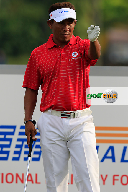 Thongchai Jaidee (THA) Team Asia prepares to tee off the par3 2nd tee during Match 1 of Friday's Fourball Matches of the 2016 Eurasia Cup presented by DRB-HICOM, held at the Glenmarie Golf &amp; Country Club, Kuala Lumpur, Malaysia. 15th January 2016.<br /> Picture: Eoin Clarke | Golffile<br /> <br /> <br /> <br /> All photos usage must carry mandatory copyright credit (&copy; Golffile | Eoin Clarke)