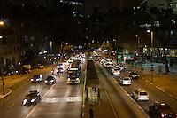 SAO PAULO, SP, 27 DE MARÇO DE 2013 - TRANSITO NA AV NOVE DE JULHO - A Av Nove de julho segue com transito livre nos dois sentidos. FOTO: MARCELO BRAMMER / BRAZIL PHOTO PRESS