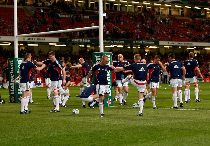 Photo: Richard Lane/Richard Lane Photography. .Munster v Toulouse. Heineken Cup Final. 24/05/2008. .Munster warm up.