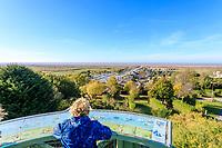 France, Charente Maritime, Saintonge, Gironde estuary, Mortagne sur Gironde, point of view from the upper city on lower city, the channel and port // France, Charente-Maritime (17), Saintonge, estuaire de la Gironde, Mortagne-sur-Gironde, point de vue depuis la ville-haute sur le chenal, le port et la ville-basse