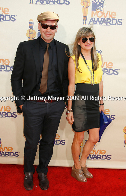 UNIVERSAL CITY, CA. - May 31: Actor Billy Zane and Director Catherine Hardwicke arrive at the 2009 MTV Movie Awards held at the Gibson Amphitheatre on May 31, 2009 in Universal City, California.
