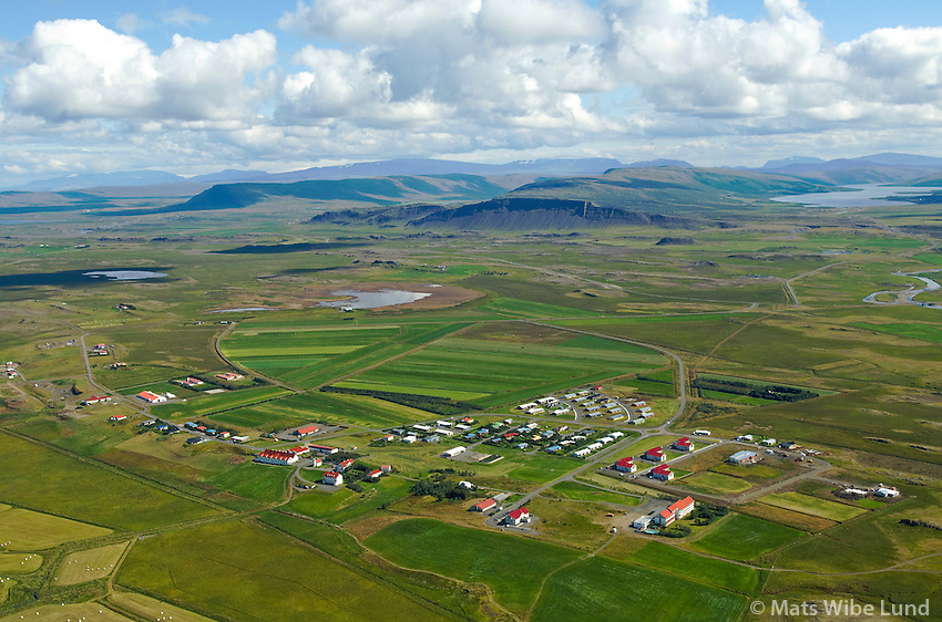 Hvanneyri séð til austurs, Borgarbyggð áður Andakílshreppur  / Hvanneyri viewing east, Borgarbyggd former Andakilshreppur