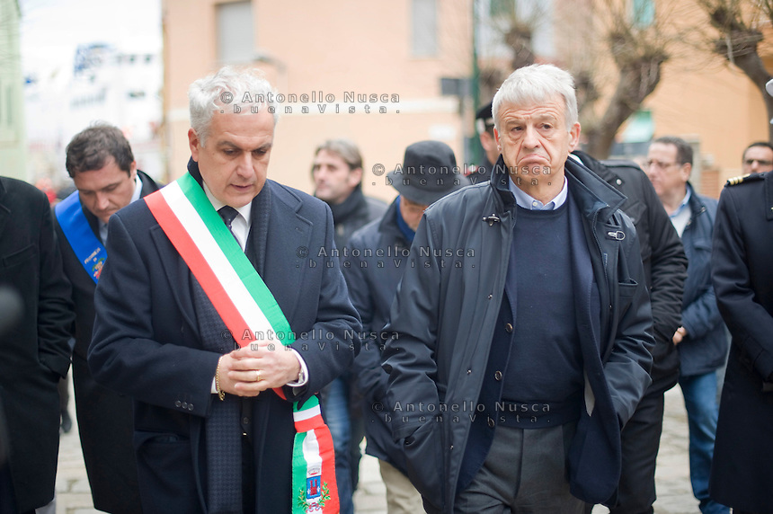 Il Sindaco del Giglio Sergio Ortelli con il Ministro è dell'Ambiente e della tutela del territorio e del Mare Corrado Clini