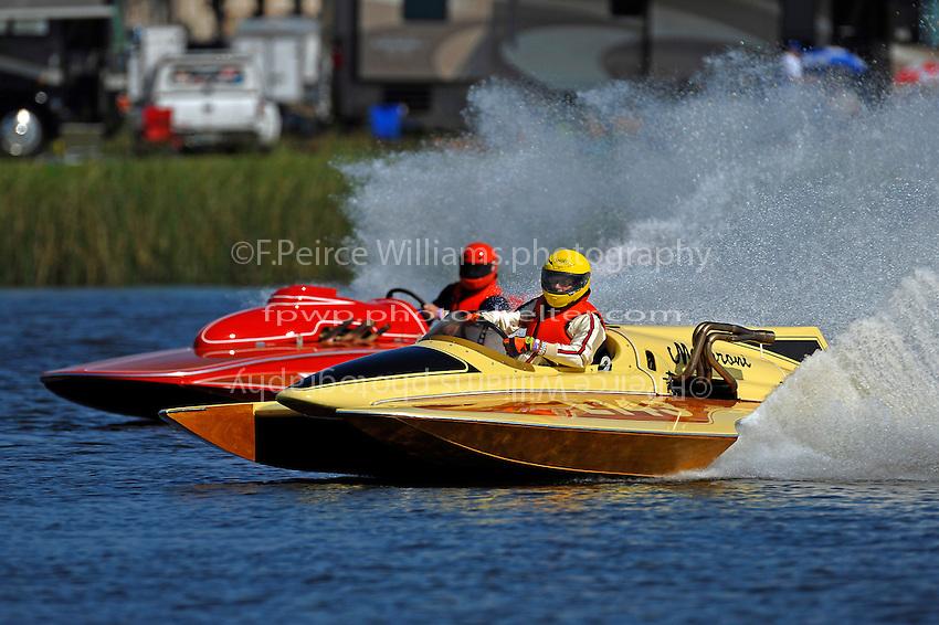 "Paul Scopinich, E-156 ""Sin"" (1975 Lloyd 280 class hydroplane) and Jim Houle, E-143 ""Macaroni"" (1970 Ron Jones 280 class cabover hydroplane)"
