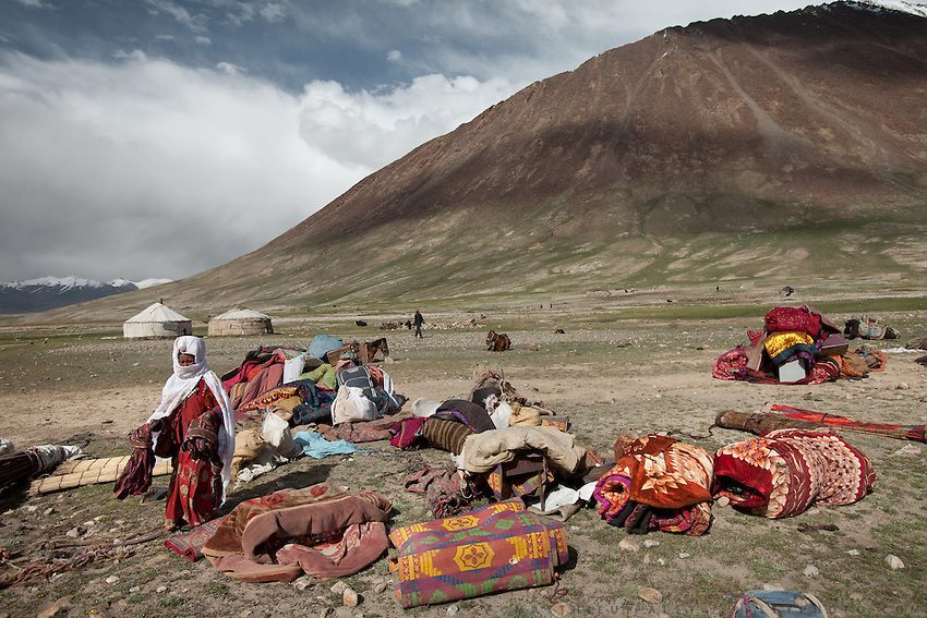 Ooroon Boi's family unloading at the summer camp during migration..Daily life at the Khan (chief) summer camp of Kara Jylga...Trekking through the high altitude plateau of the Little Pamir mountains (average 4200 meters) , where the Afghan Kyrgyz community live all year, on the borders of China, Tajikistan and Pakistan.