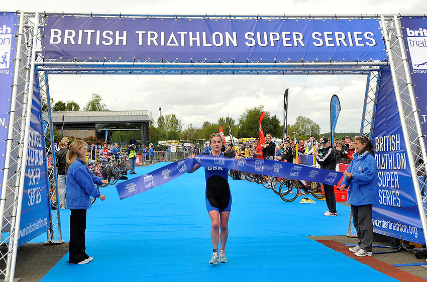 Photo: Paul Greenwood/Richard Lane Photography. Strathclyde Park Elite Triathlon. 17/05/2009. .Jodie Swallow takes first place.