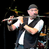 May 03, 2009: JETHRO TULL - Barbican Hall London