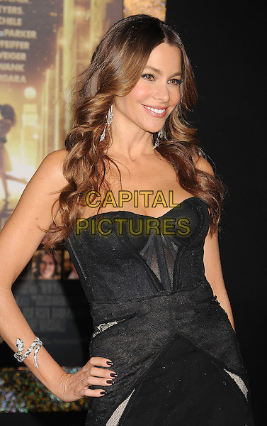 "Sofia Vergara.The World Premiere of ""New Year's Eve' held at The Grauman's Chinese Theatre in Hollywood, California, USA..December 5th, 2011.half length dress   hand on hip   black strapless corset viagra.CAP/ROT/TM.©Tony Michaels/Roth Stock/Capital Pictures"