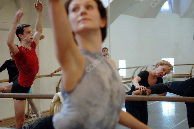 "Suki Schorer, a fomer principal dancer of the NYCB and an expert of Balanchine technique took a class at the Bolshoi Ballet in Moscow where she has been teaching dancers for a new staging of Balanchine's ""Serenade."" Moscow, Russia, February 2, 2007"