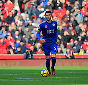 4th November 2017, bet365 Stadium, Stoke-on-Trent, England; EPL Premier League football, Stoke City versus Leicester City; Vincente Iborra of Leicester City moves the ball forward
