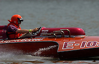"2003 Madison Regatta, 5-6 July 2003, Madison, IN USA                                .Steve Lindo drives his 1964 280 Sooy hydroplane ""Vagabond"" E-103..F. Peirce Williams .photography.P.O.Box 455  Eaton, OH 45320 USA.p: 317.358.7326  fpwp@mac.com"