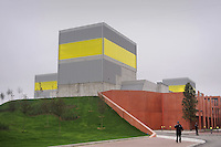 - Ferrera Erbognone (Pavia) il Green Data Center, impianto per la raccolta e la gestione di tutti i dati informatici dell'ENI<br /> <br /> - Ferrera Erbognone (Pavia), the Green Data Center, facility for the collection and management of all ENI computer data