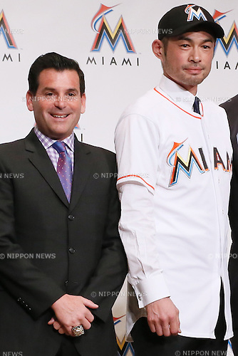 (L-R) David Samson, Ichiro Suzuki, Dan Jennings (Marlins), JANUARY 29, 2015 - MLB : Miami Marlins newly signed outfielder Ichiro Suzuki, president David Samson and general manager Dan Jennings attend an introductory news conference in Tokyo, Japan. (Photo by Sho Tamura/AFLO SPORT)