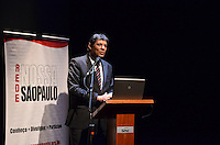 ATENCAO EDITOR IMAGEM EMBARGADA PARA VEICULOS INTERNACIONAIS - SAO PAULO, SP, 17 DE JANEIRO DE 2013. - HADDAD REDE NOSSA SAO PAULO - O prefeito Fernando Haddad durante evento da Rede Nossa Sao Paulo que apresentou os resultados da sexta edição da pesquisa encomendada ao Ibope com a percepção dos paulistanos sobre a cidade, na manha desta quinta feira, 17, no Teatro Anchieta, Sesc Consolacao, regiao central da capital.  (FOTO: ALEXANDRE MOREIRA / BRAZIL PHOTO PRESS).