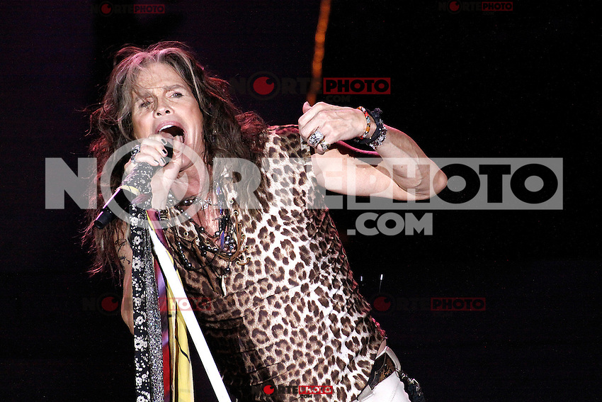 ATLANTIC CITY, NJ - NOVEMBER 23 :  Aerosmith performing in Ovations Hall at Revel Casino in Atlantic City, New Jersey on November 23, 2012  © Star Shooter / MediaPunch Inc /NortePhoto