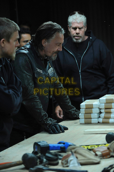 "Tommy Flanagan & Ron Perlman.in Sons of Anarchy (series 4 episode 5 ""Brick"").*Filmstill - Editorial Use Only*.CAP/NFS.Supplied by Capital Pictures."