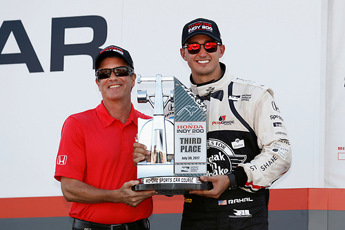 Verizon IndyCar Series<br /> Honda Indy 200 at Mid-Ohio<br /> Mid-Ohio Sports Car Course, Lexington, OH USA<br /> Sunday 30 July 2017<br /> Graham Rahal, Rahal Letterman Lanigan Racing Honda receives his trophy from track president Craig Rust<br /> World Copyright: Michael L. Levitt<br /> LAT Images